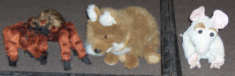 File:GR MFF2006 plush toy puppets.jpg